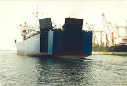 Het zeeschip Stena Clipper aan de Sloekade.