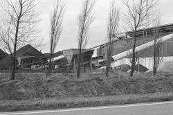 Sorteerinstallatie voor kolen bij Ovet aan de Massagoedhaven.