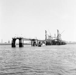 Oceandock van Dow Chemical in de Braakmanhaven.