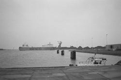 Ro-ro schip van Bore Ro-Ro ter hoogte van de ro-ro 1 haven in de...