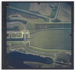 Verticale luchtfoto havengebied Terneuzen. ter hoogte van de Zeesluis.