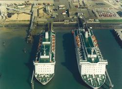 Luchtfoto van de schepen Olau Hollandia en Olau Britannia aan de...