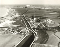 Overzicht bouw PZEM - centrales bij Borssele, met de buitendijks...