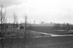 Achterkant van de Nederlandse Stikstof Maatschappij (NSM), gezien...