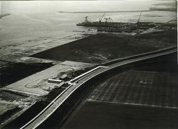 Luchtfoto van de scheepswerf van de Koninklijke Maatschappij De...
