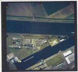 Verticale luchtfoto havengebied Terneuzen, Zevenaarhaven.