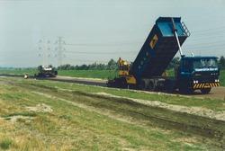Asfalteren Europaweg-Noord ter hoogte van de Bijleveldhaven.