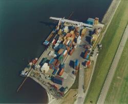 Luchtfoto Zeeland Container Terminal in de Braakmanhaven.