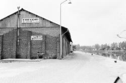 Bedrijf De Moor-Vlaeminck aan zijkanaal C op de Axelse Sassing.