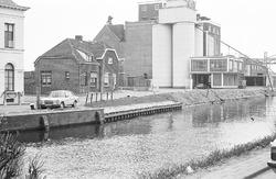 Vestiging van de CHV aan de Oostkade en Zijkanaal H te Sas van Gent.