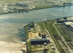 Luchtfoto enkele bedrijven aan de Frankrijkweg te Vlissingen-Oost,...