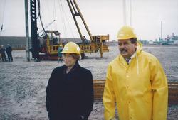 Eerste paal Outokumpu Steel Processing op de Axelse Vlakte 1993/1994...