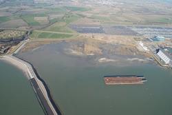 Luchtfoto Vlissingen-Oost met op de achtergrond de terrein van...