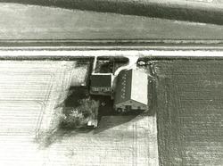 Serie boerderijen havengebied Vlissingen-Oost  Drieklauwenweg 2,...