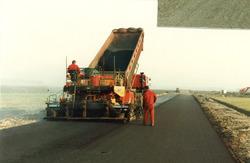 Het aanleggen van een ontsluitingsweg op het industrieterrein te Sas...