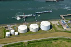 Buitenhaven van Vlissingen met Vesta Terminal Flushing.