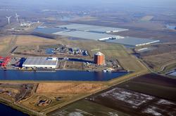 Nieuwbouw suikersilo bij Zeeland Sugar Terminal aan de Autrichehaven....