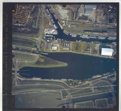 Verticale luchtfoto havengebied Terneuzen. Zijkanaal A en...