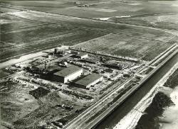 Luchtfoto van M&T Chemicals aan de Europaweg te Vlissingen-Oost.