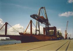 Zeeschip aan de Sloekade bij de N.V. Haven van Vlissingen.