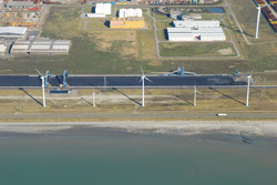 Luchtfoto van een gedeelte van het Kalootstrand ter hoogte van de...