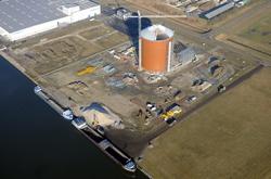 Nieuwbouw suikersilo bij Zeeland Sugar Terminal aan de Autrichehaven.