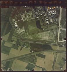 Verticale luchtfoto van Total en omgeving te Vlissingen-Oost.