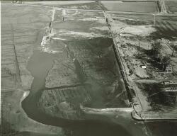 Luchtfoto bouwwerkzaamheden Hoechst Holland N.V. te Vlissingen-Oost.