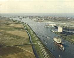 Luchtfoto Terneuzen Kanaalhavens met recent aangelegde Massagoedhaven.