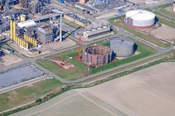 Bouw twee opslagtanks bij Total Raffinaderij.