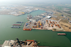 Overzichtsfoto van de hoek Westhofhaven met de Bijleveldhaven. Op de...