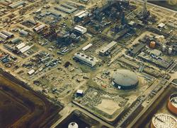 Luchtfoto bedrijventerrein Total Raffinaderij N.V. te Vlissingen-Oost.