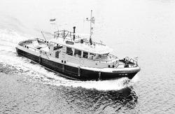 Patrouilleboot 86 van Rijkswaterstaat in de haven van Terneuzen.