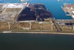 Luchtfoto van een gedeelte van het Kalootstrand en de Kaloothaven te...