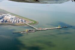 Steiger Oil tanking in de Braakmanhaven.