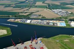 Kanaaleiland zuidzijde gefotografeerd vanaf de Autrichehaven in het...