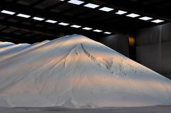 Opslag van witte bulk in de bulkterminal bij Verbrugge Terminals aan...