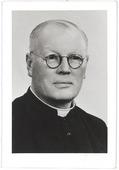 Franciscus Norbertus (Frans) MANNAERTS (Tilburg 1889-1974) was de eerste pastoor, tevens bouwpastoor, van de Parochie Loven, H. Willibrordus, en wel van 1920 tot 1965. Hij werd in       1914 priester gewijd en was daarna kapelaan in Stratum (Eindhoven) en vice-prefect van het klein-seminarie te St. Michielsgestel. In 1920 volgde zijn benoeming tot bouwpastoor van de genoemde       St. Willibrorduskerk. Hij was o.a. 30 jaar adviseur van de textielarbeidersbond St. Lambertus. In 1950 ontving hij de onderscheiding Officier in de Orde van Oranje Nassau. In 1965 ging hij met       emiritaat en nam ijn intrek in Pension St. Jozefzorg.