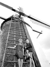 zangduo Suus en Emma Francke, zeer bekend van radio en TV