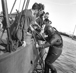 scholieren maken kennis met duiksport bij bergingsbedrijf Van den Akker