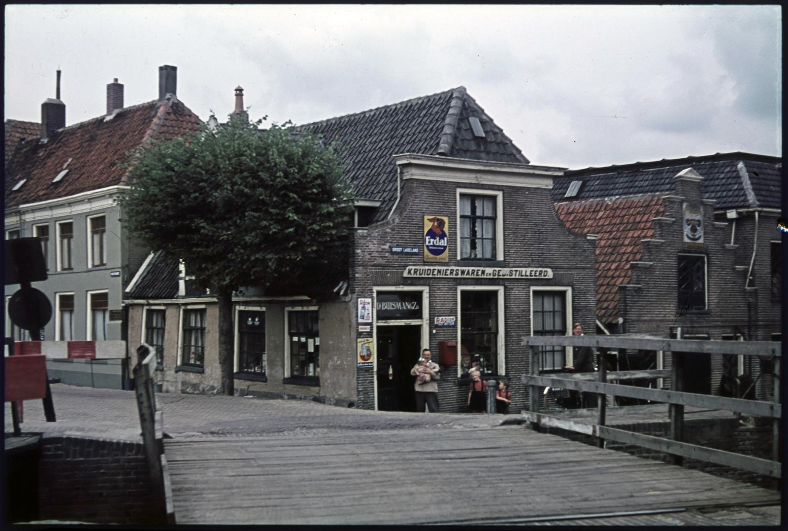 Kruidenierswinkel-slijterij