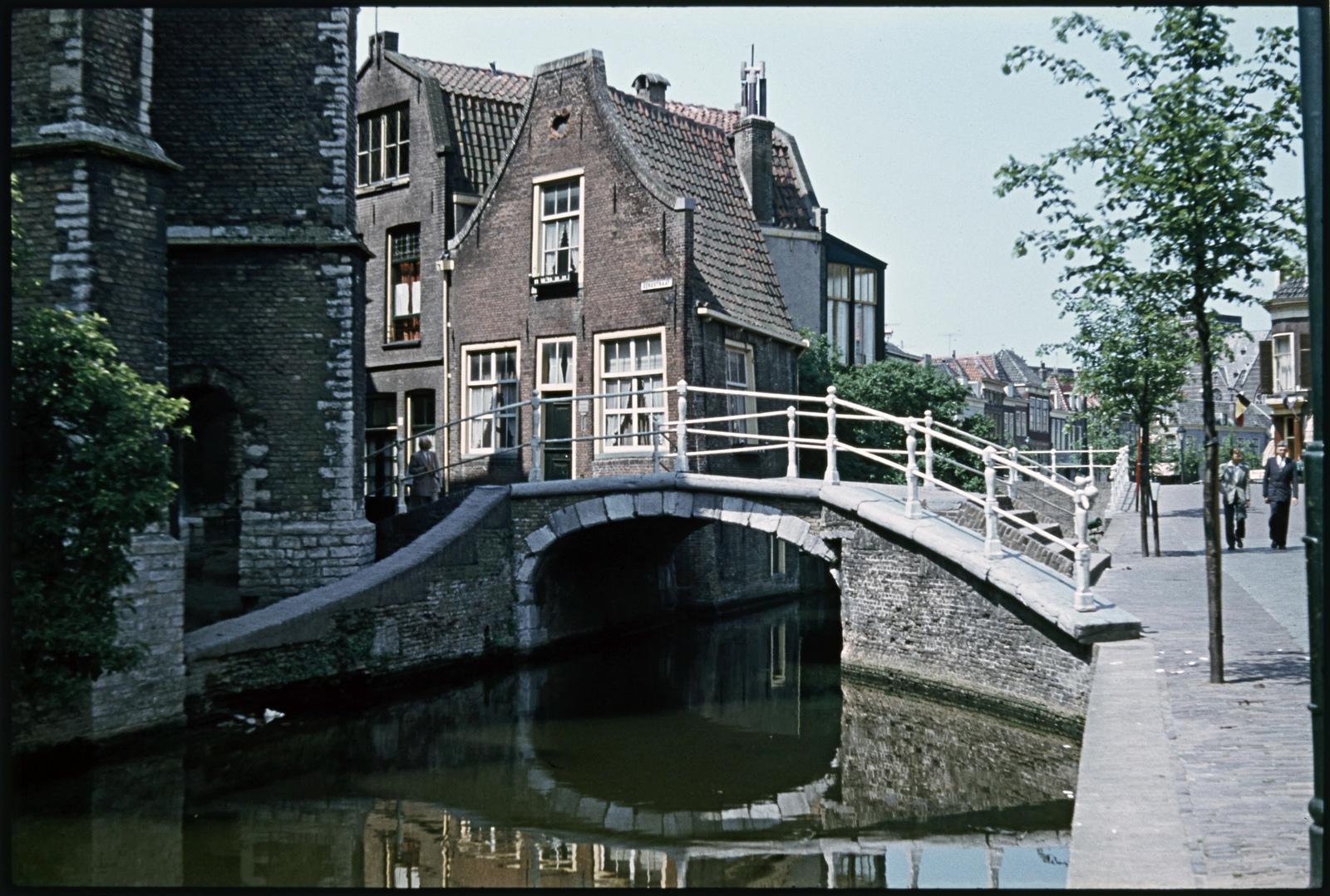 Vrouwe van Rijnsburgerbrug ter Delft