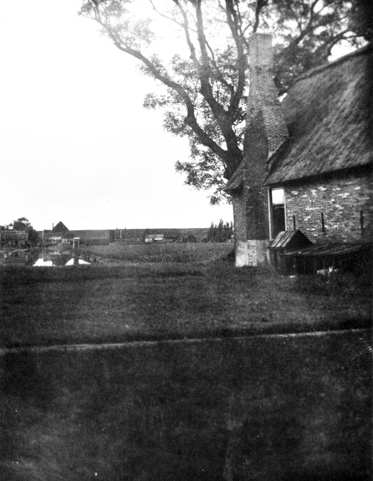 Oud boerenhuis met smuiger, Andijk.