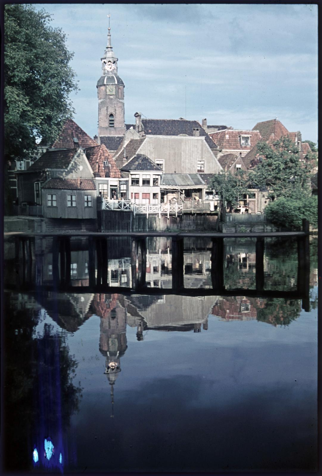 Stadsgezicht met binnenhaven van Blokzijl