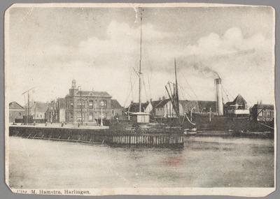 Haveningang te Harlingen. Willemshaven