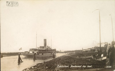 Enkhuizen, Aankomst der boot