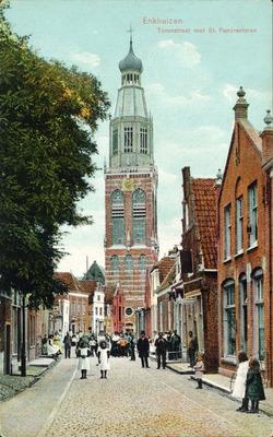 Enkhuizen Torenstraat met St. Pancrastoren