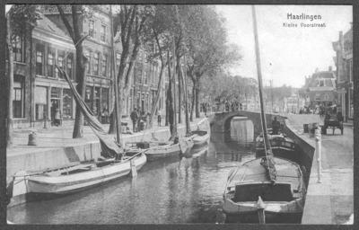 Haarlingen Kleine Voorstraat.