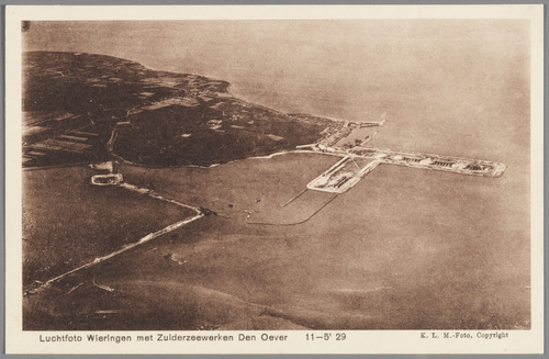 Luchtfoto Wieringen met Zuiderzeewerken Den Oever 11-05'29