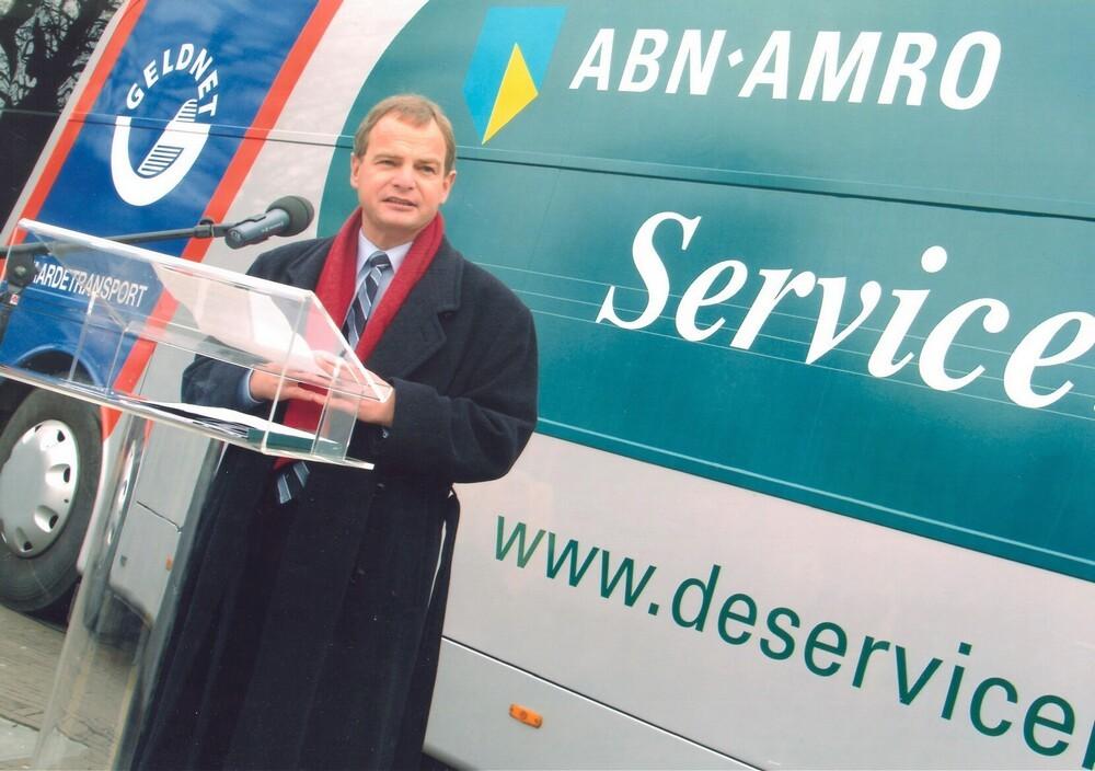 ABN AMRO: ingebruikname van de Servicebus, met F Deckers en JH Hoogervorst